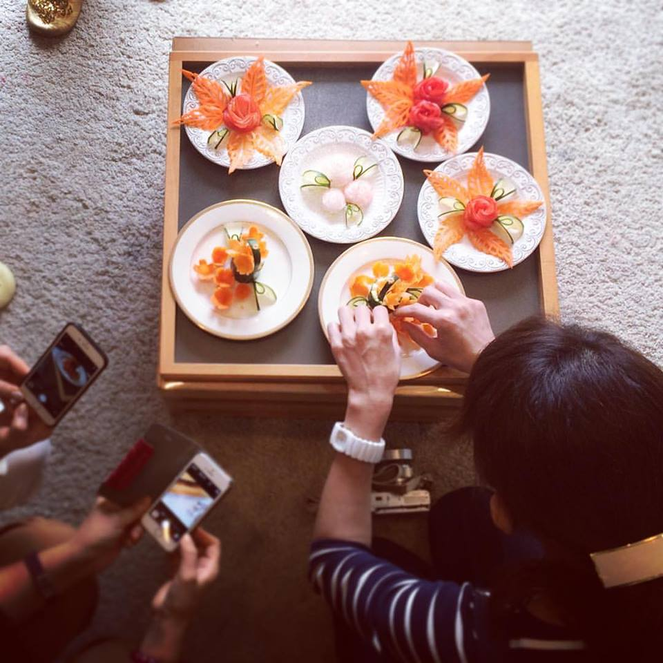 カービングレッスン-カービングスクール-フルーツカービング-野菜カービング-シリキッチン-ソープカービング-カービング教室-カービングスクール-カービングレッスン-大根-人参-お花